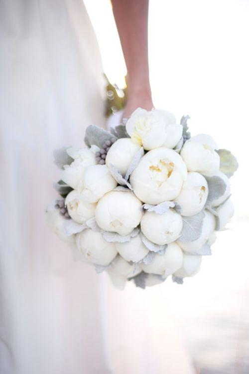 ramo peonias blancas