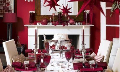mesa de navideña en rojos