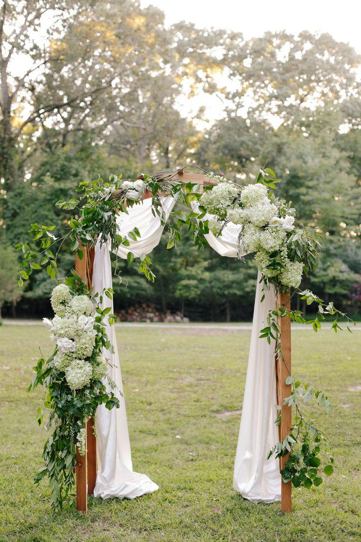 Arcos florales para iglesia imagui Ideas para decorar un arco de boda