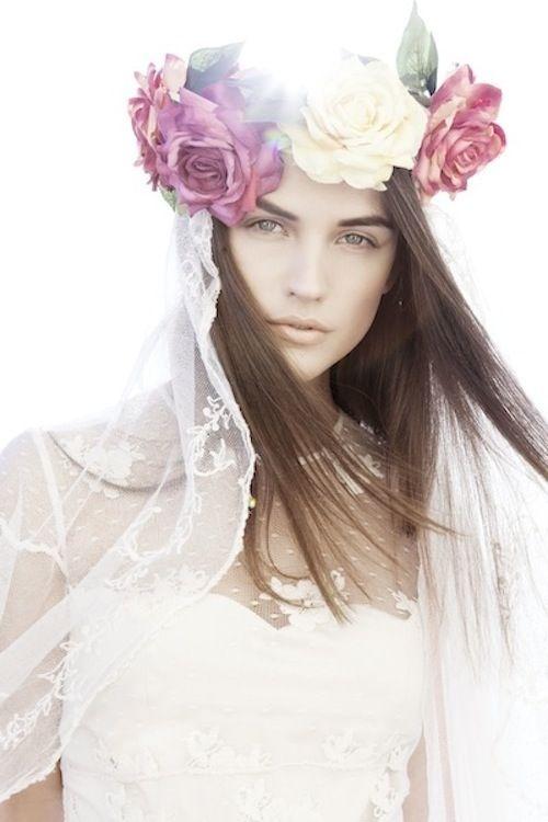 corona de flores romántica
