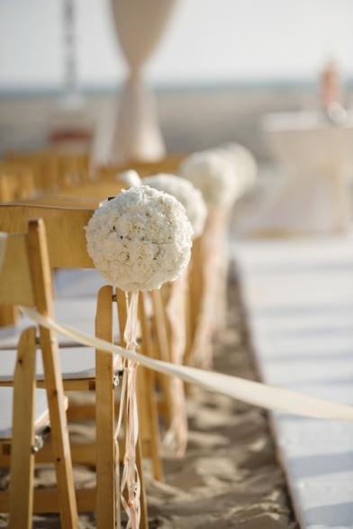 decoración bolas de flor playa
