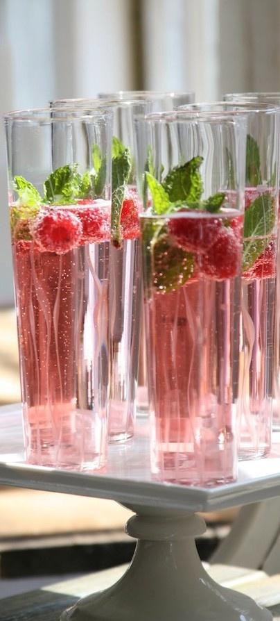 decoración champagne fruta