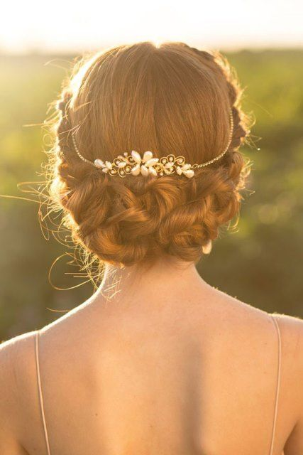 tiara novia recogido