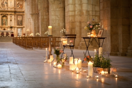 19.spain-destination-wedding-church
