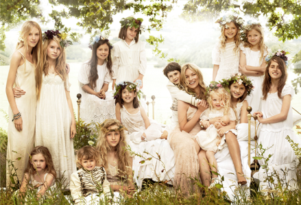 6.boda+kate+moss+con+damas+de+honor+y+ni%C3%B1as+de+flores