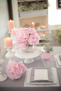9.grey-pink-white-wedding-table-decor