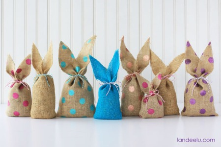 10.Easy-Burlap-Bunnies-polka-dot